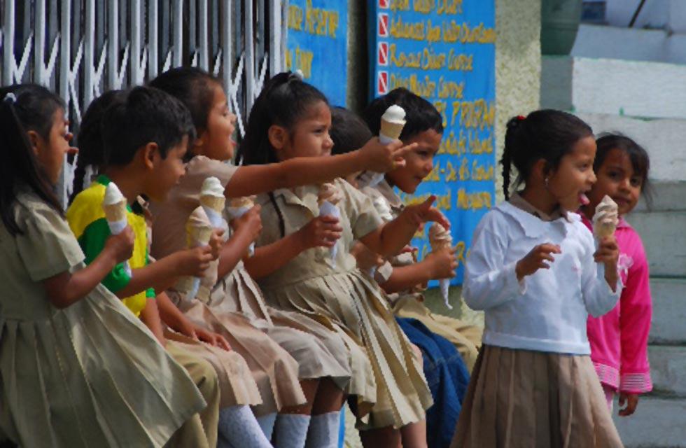 Gente de Galápagos: Niños