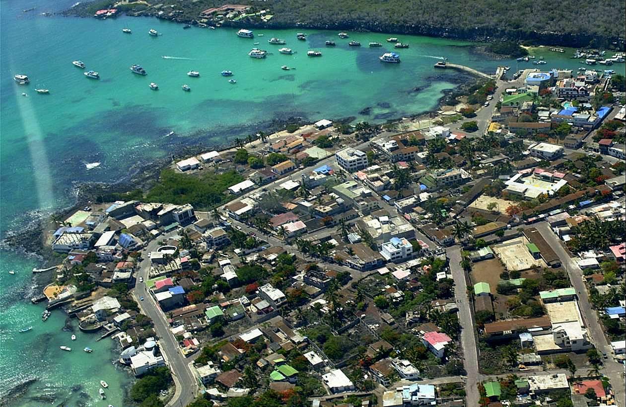 Lugares de Galápagos: Puerto Ayora © Heidi Snell